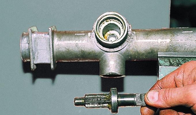 Шестерня привода рулевой рейки